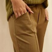 DETALLES >  pantalón punto roma Súper cómodo, con elástico en la cintura, bragueta simulada y bolsillos laterales... - Disponible en este hermoso oliva, en camel y negro.  Del talle 3 al 6 - Para chequear el stock disponible les recomendamos que ingresen a la web, ahí mismo encuentran la tabla de talles y colores 😍 |  www.coleccionabril.com.ar   #bycoleccionabril   #fw21 #mayoristasargentina #indumentariafemenina #ropamujerpormayor #ropamujer #mayoristasavellaneda #mayoristaflores #indumentaria #aw21